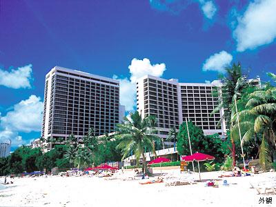 A・Bクラス グアム・リーフ・ホテル プレジャーアイランド近くで便利!海とつながって見えるプールが人気! 詳細・予約はこちら