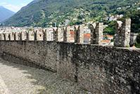 ベリンツォーナ旧市街にある3つの城、要塞及び城壁