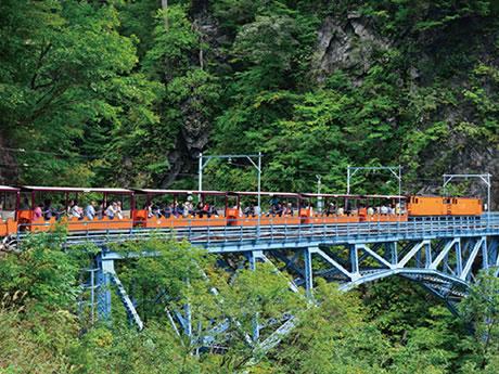 黒部峡谷トロッコ列車と立山黒部アルペンルート 2日間