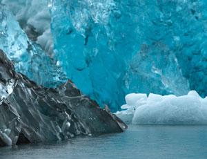 絶景スーパーブルー(青い氷の洞窟)とオーロラに出逢う! 神秘のアイスランド 7日