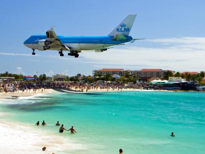 航空ファン必見!旅客機の着陸が間近で見られる!<br>カリブ海・セントマーティン島 6日
