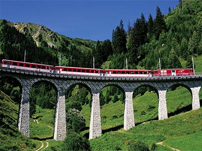 絶景列車とハイキングで雄大なアルプス4大名峰をめぐる!<br>スイス大自然満喫の旅8日