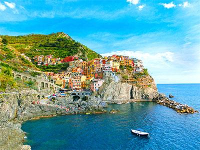 地中海沿岸の風光明媚な世界遺産アマルフィ海岸とチンクエ・テッレを訪れる!イタリア紺碧の地中海と人気3都市9日