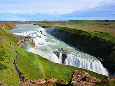 【成田発】地球の息吹を感じる絶景ゴールデンサークルと滝や岬の絶景南部観光へ!火と氷の国アイスランド6日