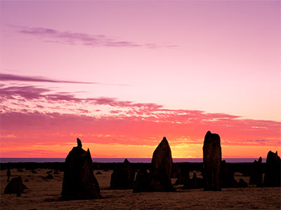 夕日に照らされる奇岩群「ピナクルズ」を楽しむ パース 3・4・5日