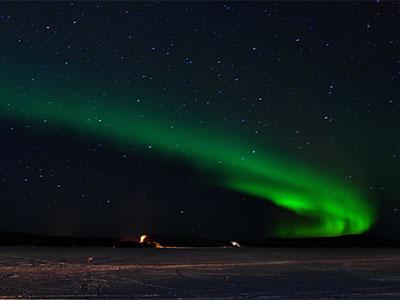 【毎夜のオーロラチャンス!フィンランド最北のオーロラリゾート「サーリセルカ」でオーロラ観賞】