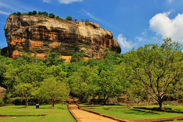 【スリランカ】 スリランカ高原地帯と6つの世界遺産を巡る スリランカ大周遊 8日