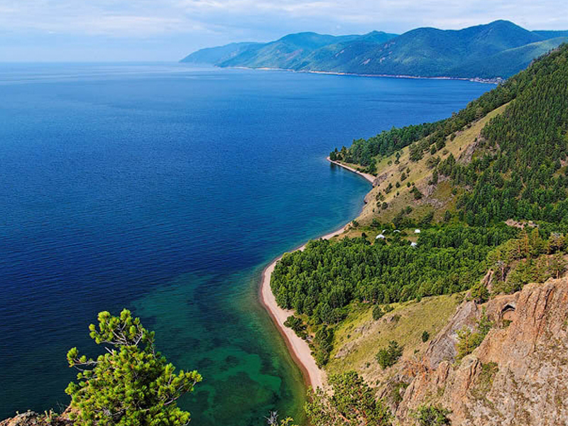 """【ロシア】世界一の透明度を誇るバイカル湖と 文豪チェーホフが""""シベリアのパリ""""と呼んだ美しい街 イルクーツク 4・5日"""