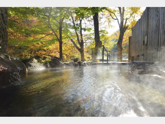 川の湯 岩露天風呂 ※秋季