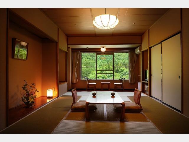 客室一例 本館 「月かんむり」