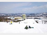 スキー場とホテル(本館・タワー館)