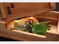 鯛の葉桜寿司、錦紙寿司
