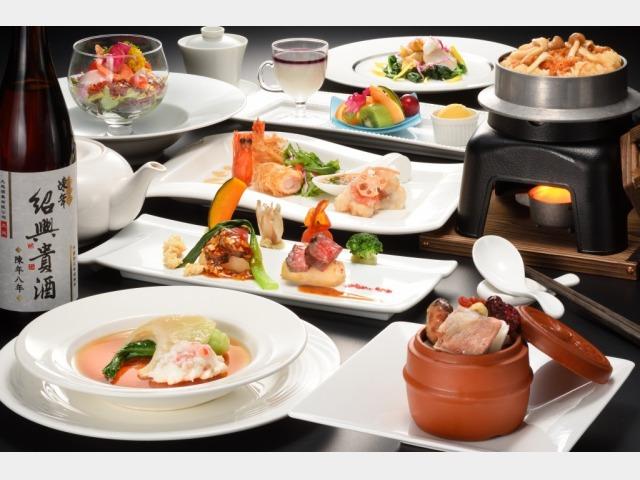 夕食中国料理イメージ
