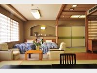 客室一例(瑞雲楼 和洋室 10畳+6畳+ツイン)