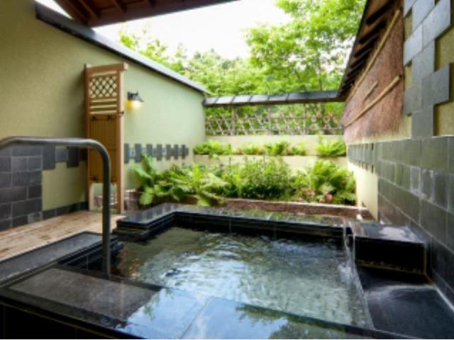 7.陽だまりの湯 別棟「温泉道楽」個室貸切露天風呂