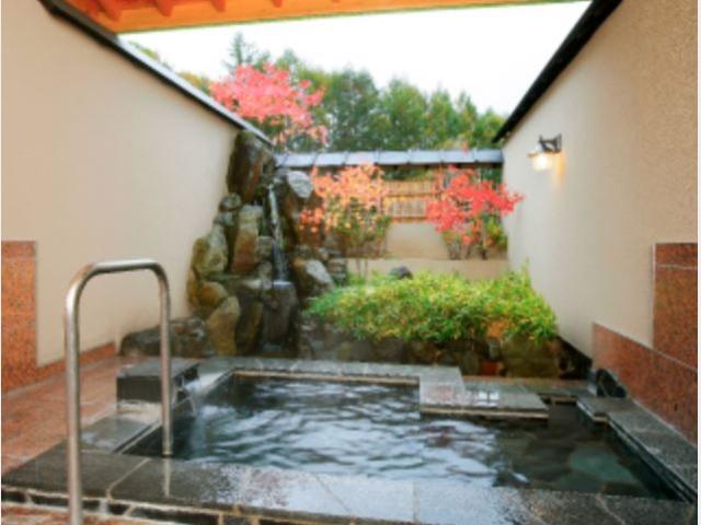 10.鼓の湯 別棟「温泉道楽」個室貸切露天風呂