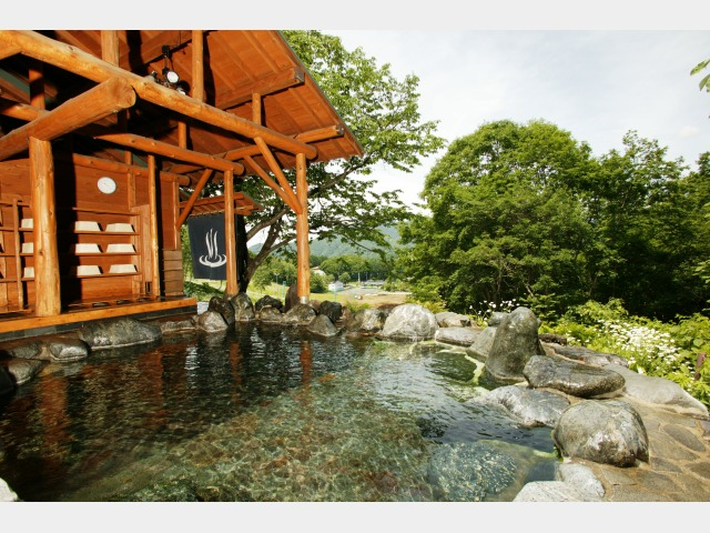 ホテル前の高台のある露天風呂(百景花) ※ご利用の際は、徒歩またはシャトルバスにて送迎利用