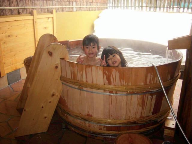 8.酒樽の湯 別棟「温泉道楽」個室貸切露天風呂