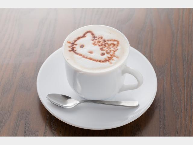 四万グランド「かふぇふろれすたキティ」キティアートカプチーノコーヒー?