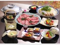 夕食一例(喜楽亭 国産霜降牛の鋤鍋会席)