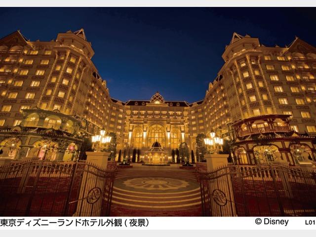 東京ディズニーランドホテル外観(夜景)