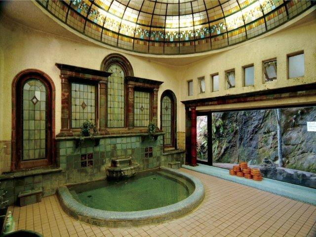 岩本楼ローマ風呂