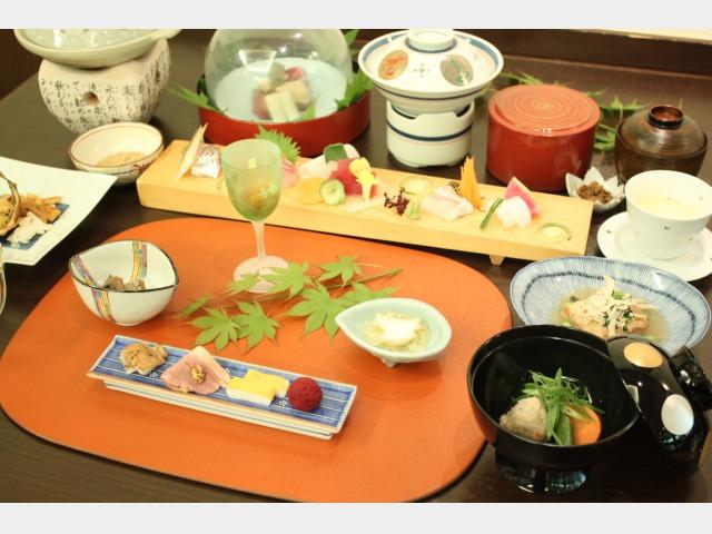 夕食イメージ(宴会料理)
