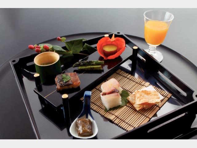 宿コレ 夕食イメージ(四季折々の懐石料理)