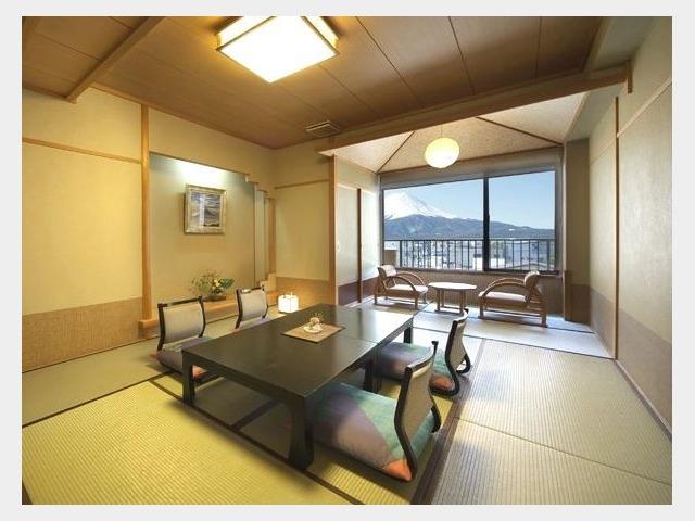 富士山側 10畳和室