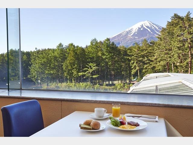 朝食レストラン イメージ