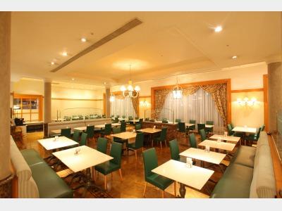 カフェレストラン「アイリス」