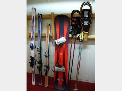 スキー、スノボー、スノーシューレンタルあります。