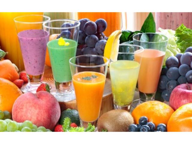 信栄養価が高い旬の素材を生かした季節のスムージー