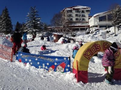 ちびっ子に大人気雪遊び広場
