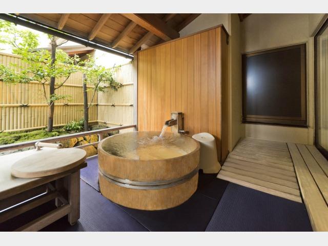 能登渚亭 和洋室 露天風呂付の一例