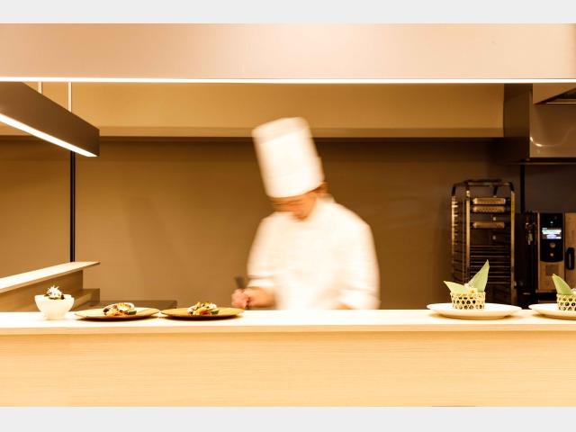 海望オープンキッチン