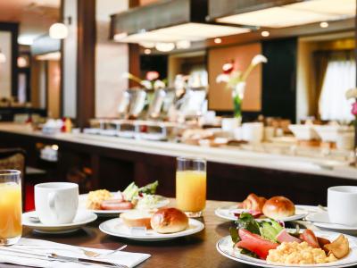 朝食一例 :加賀小坂れんこんと鶏手羽元のほろほろ煮