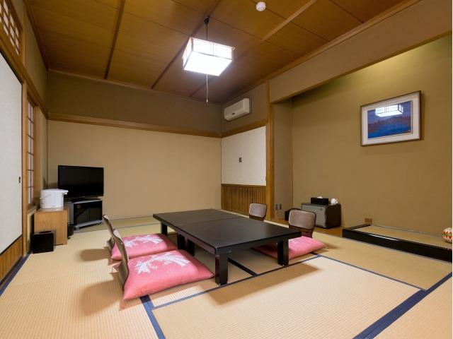 客室一例 シャワーブース付 和室