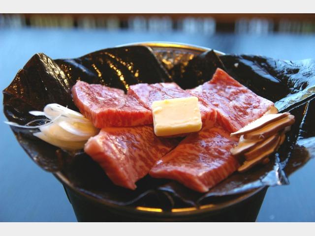 飛騨牛入朴葉味噌焼き