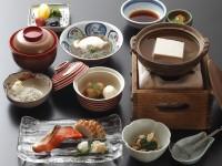 朝食一例(近喜豆腐謹製湯豆腐付)
