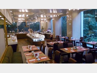カフェレストラン「COZY」(朝食ブッフェ会場)
