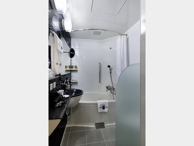 バスルームT