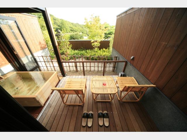 客室一例 露天風呂付客室 (檜風呂)