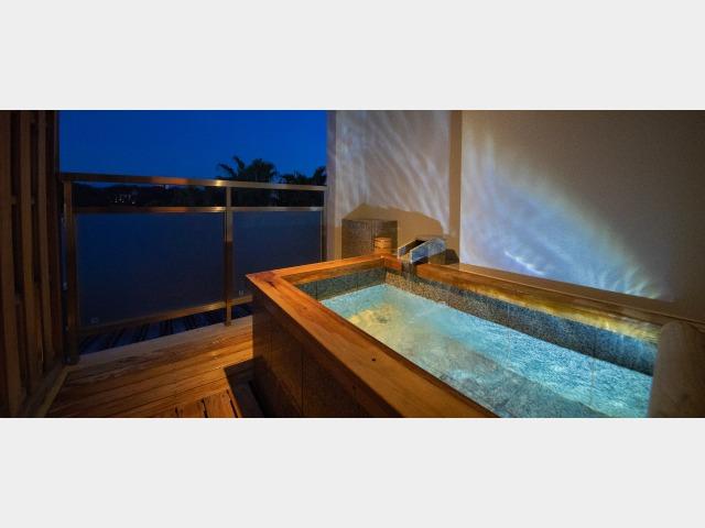 露天風呂付客室「静の海」一例