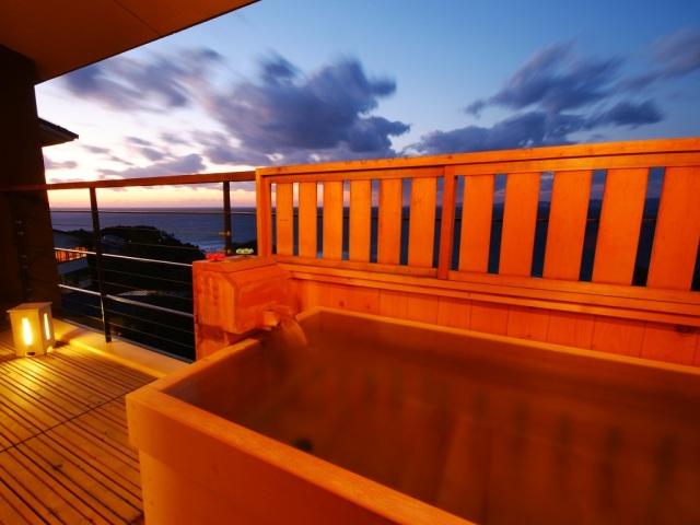 【波の抄】客室露天風呂一例