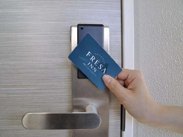 【ホテル・設備】全室非接触型カードキー採用で安心・安全、セキュリティー抜群