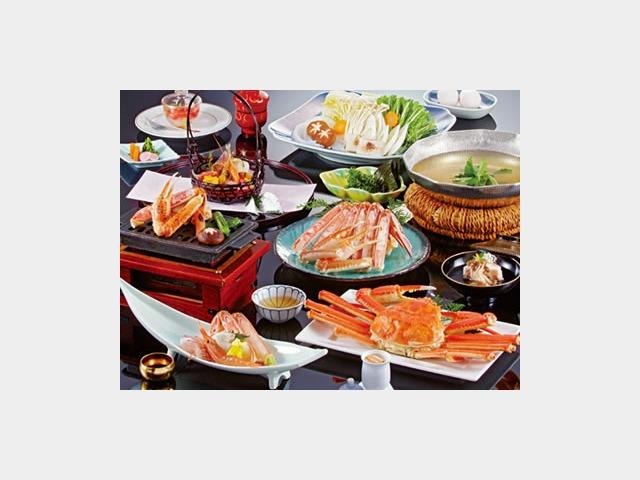 夕食一例(かにすき、野菜盛は2人前)