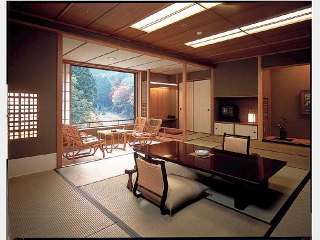 庭の棟客室和室一例