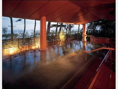 別棟2階 女性露天風呂「大山の湯屋」