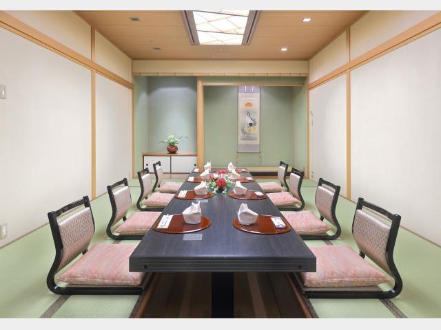 個人食事処和室